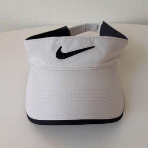 Nike Golf Visor 20XI VRS